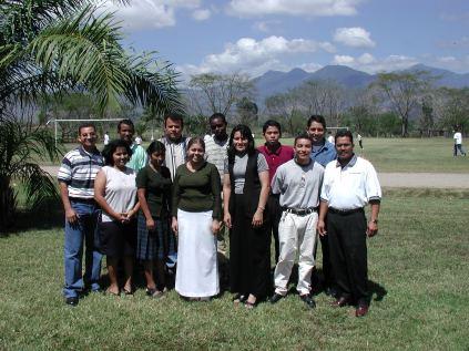 2002 El Sembrador Bible Institute students